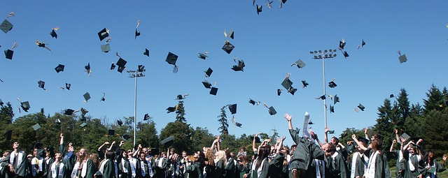 Setting Your Career Path: How to Get a Degree in Marketing