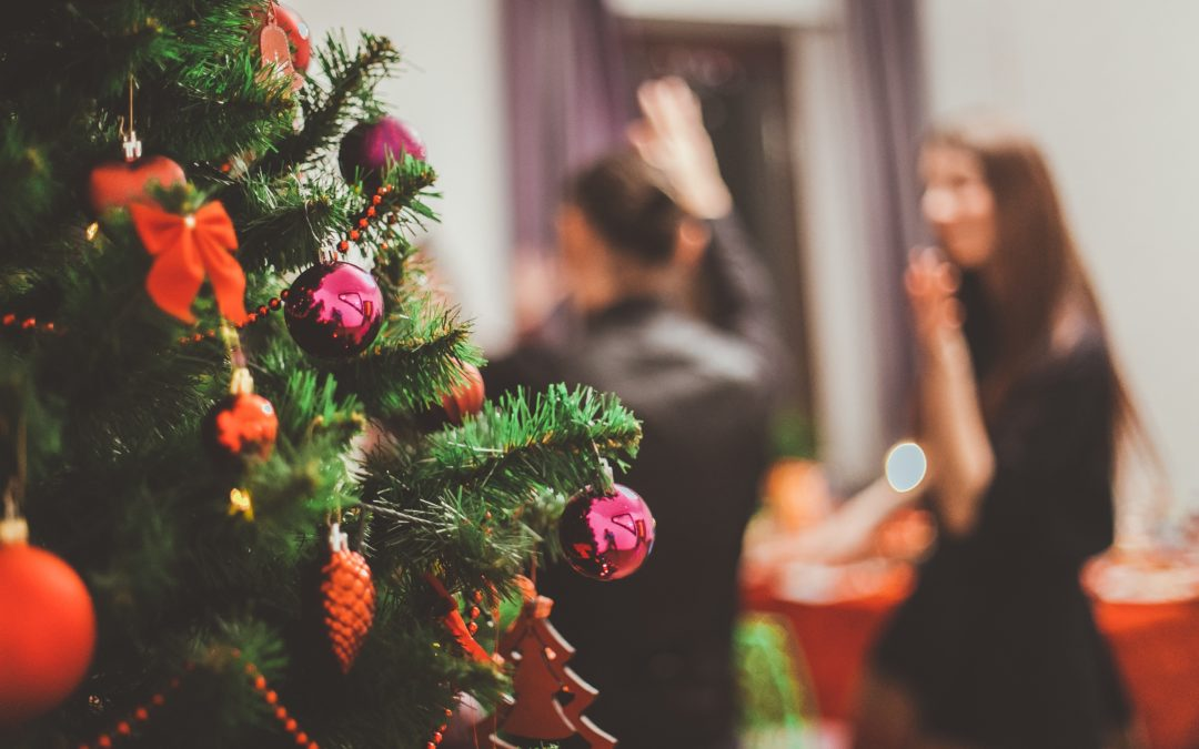 4 tips for dressing for your office Christmas party